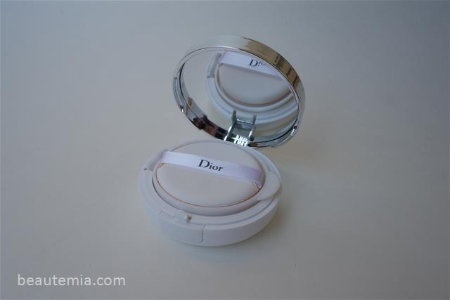 Dior DIORSNOW Bloom Perfect Perfect Moist Cushion SPF 50 & CC cushion