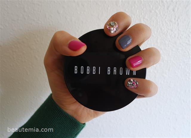 Bobbi Brown Skin Foundation Cushion Compact SPF 35 & nail art