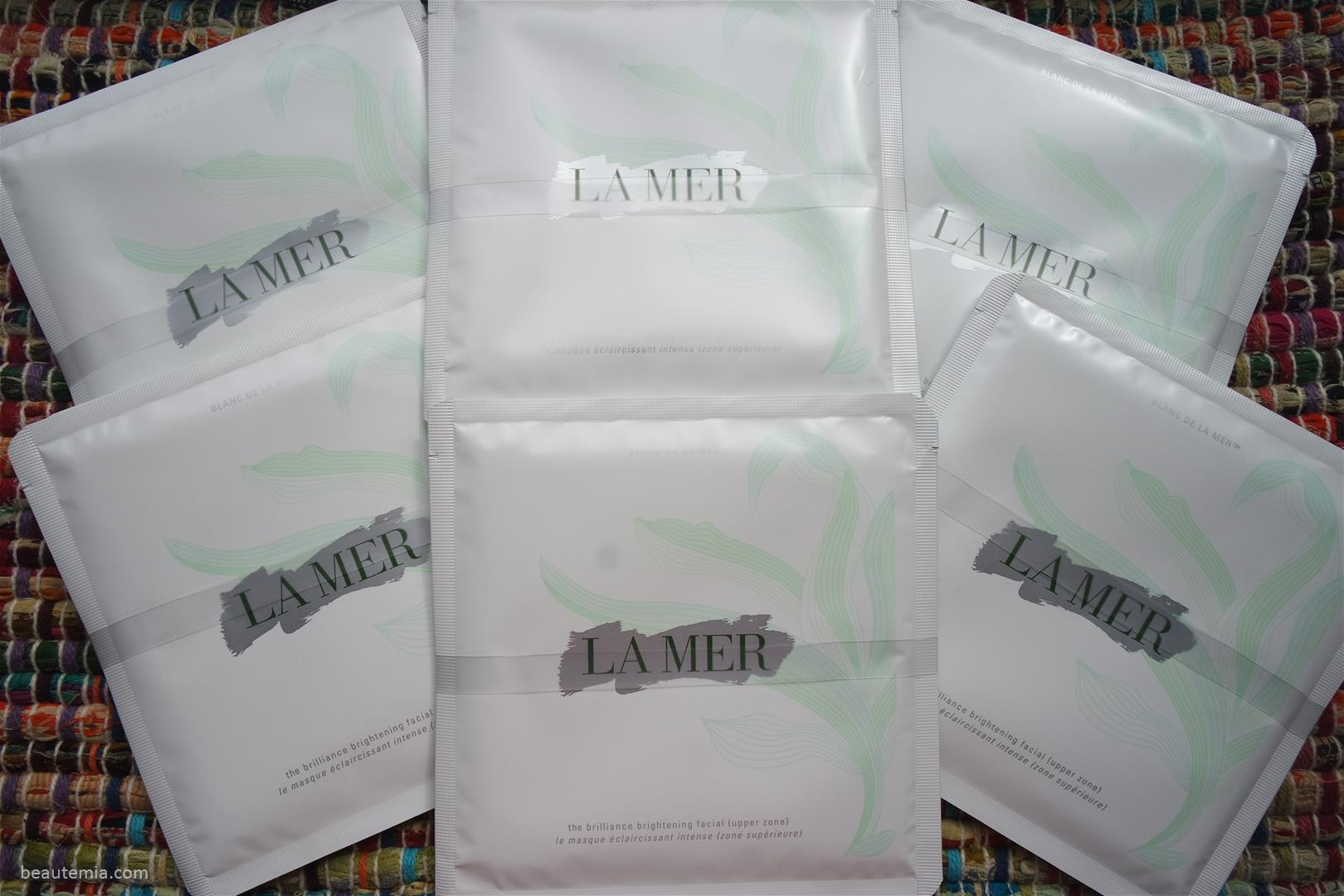 La Mer The Brilliance Brightening Facial, la mer skincare, la mer face oil, la mer the renewal oil, la mer creme de la mer, la mer moisturizing lotion, la mer moisturizer, la mer vs nivea, la mer vs la prairie, la mer vs sisley, la mer cream vs nivea cream, la mer the concentrate, la mer the regenerating serum, la mer genaissance de la mer, la prairie cellular swiss ice crystal dry oil, chantecaille rose de mai oil, sisley black rose oil & la mer the lifting contour serum